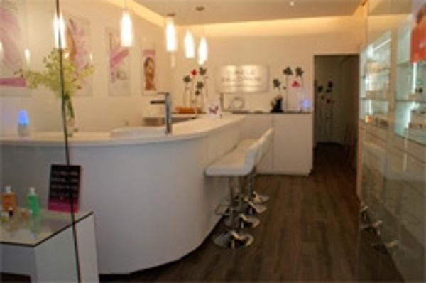 """Gisele Delorme inaugura una nueva franquicia con su concepto: """"Beauty Bar"""""""