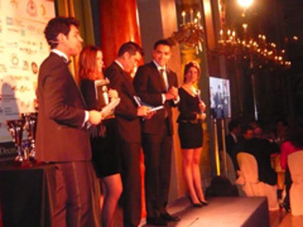 La red de franquicias Bara�as reciben el galard�n �Best Franchisee of The World�