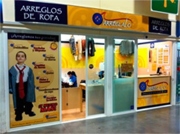 Arr�glalo inaugura Unidad en Walmart Cuemanco, D.F.