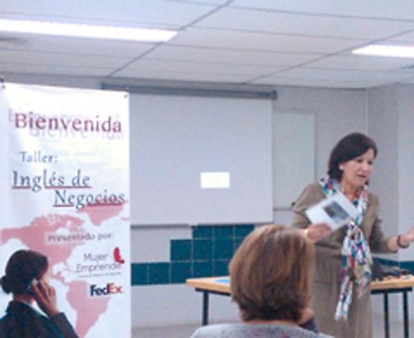 La franquicia FedEx Express lleva a cabo un taller de inglés para emprendedoras