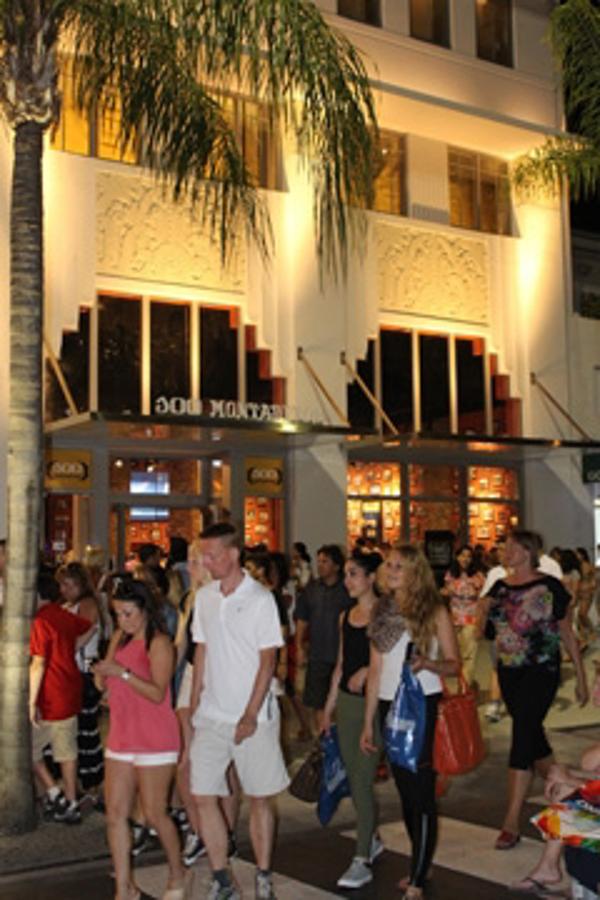 La franquicia 100 Montaditos conquista Florida con su flagship store en Lincoln Road
